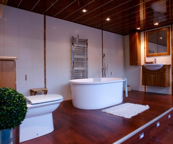 bathroomsuites1